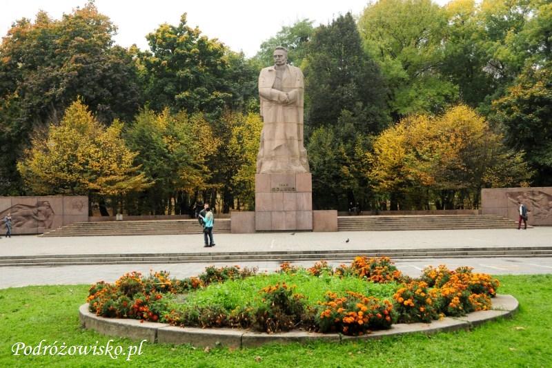 fot. Pomnik Iwana Franki i park jego imienia