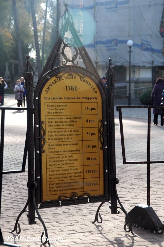 fot. Informacja o cenie biletów wstępu na cmentarz Łyczakowski