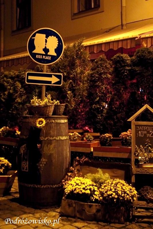 fot. Kiss place jako oryginalna zachęta do odwiedzin w restauracji