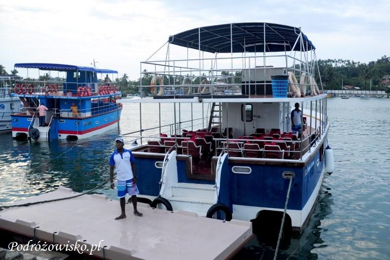 """Fot. Nasza łódź i bardzo rozmowny """"szef"""" ekipy ;)"""