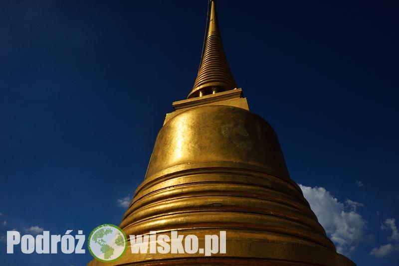 952e1588590a8 Ze szczytu roztacza się piękny panoramiczny widok na Bangkok. Przystając na  chwilę zostaliśmy zaczepieni przez Hiszpankę, która poprosiła nas o  zrobienie ...