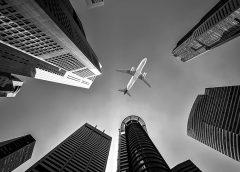 Pierwszy lot samolotem? Co, gdzie, kiedy – wszystko co musisz wiedzieć w jednym miejscu!