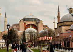 Turcja: Jak spożytkować przesiadkę w Stambule?